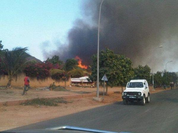 Dernière minute: Les résidences du Port à Saly prennent feu, les orangées totalement consumées
