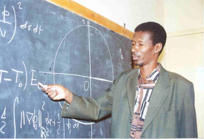 Pr. Mary Teuw Niane reprend ses cours à la faculté des Sciences de l'UCAD