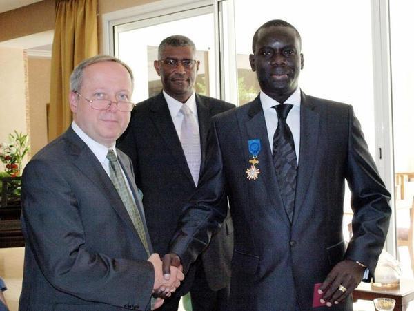 CROIX DU MERITE POLONAISE POUR LE PRESIDENT DU CONSEIL REGIONAL DE DAKAR