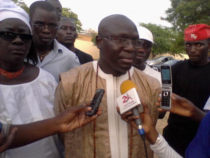 Me Antoine Mbengue, avocat de l'Etat:« Des responsables du régime libéral doivent être interpellés sur l'affaire des contrats pétroliers »