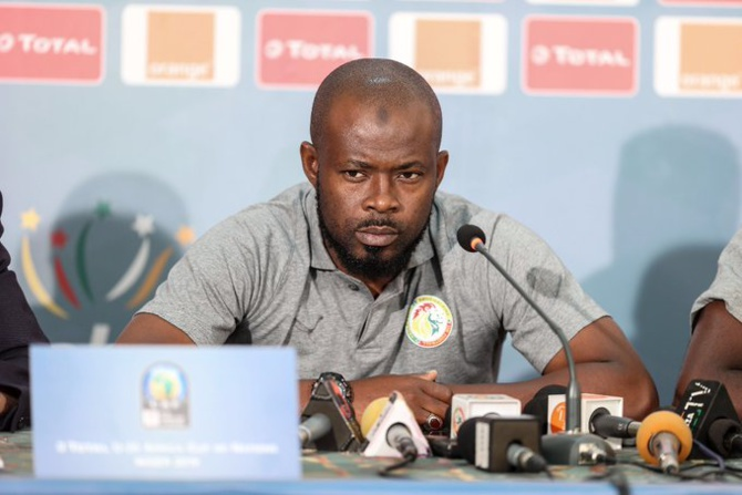 Le Sénégal se projette déjà sur les demi-finales: Youssouf Dabo et Mayacine Mar en mission de supervision