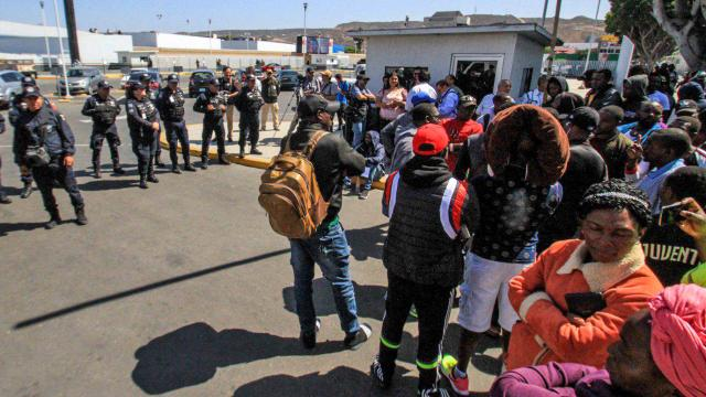 Les États-Unis se préparent à arrêter les milliers de membres de familles d'immigrés