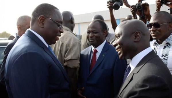 Télescopage entre le PR Macky Sall et Idrissa Seck à l'aéroport de Diass