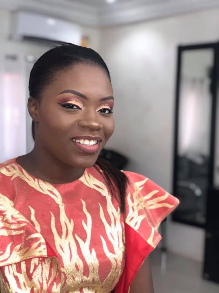 PHOTOS - L'animatrice Safia Diatta de la Sen Tv toute souriante affiche un Makeup à la perfection et fait sensation