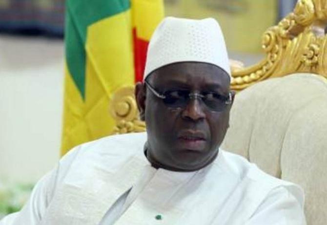 Obsèques d'Ousmane Tanor Dieng : Macky Sall remet 30 millions FCfa à la famille
