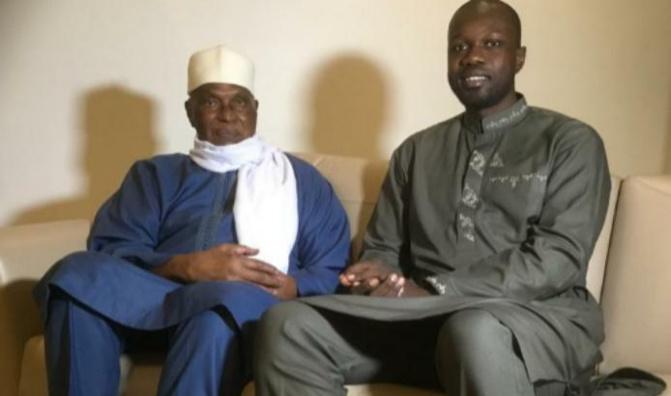 Audience: le Président WADE reçoit le Président Ousmane SONKO et le journaliste Adama GAYE