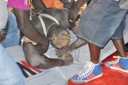LUTTE : Les images exclusives de la chute de Bay Mandione