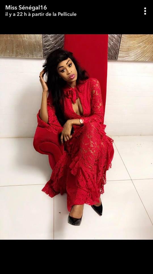 PHOTOS - Miss Sénégal déborde avec sa robe rouge trop s*xy et sans soutien gorge