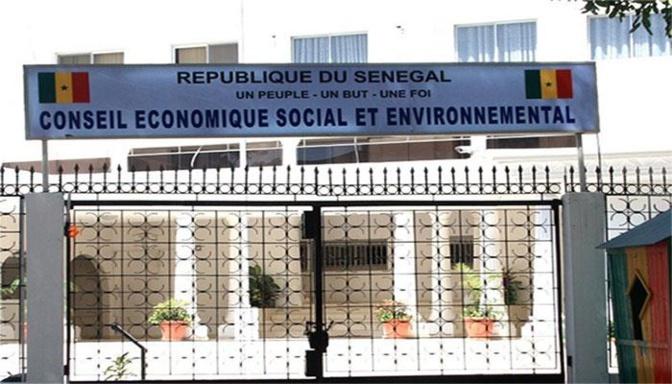Session du CESE: Mimi Touré expose la nécessité de revoir le règlement intérieur