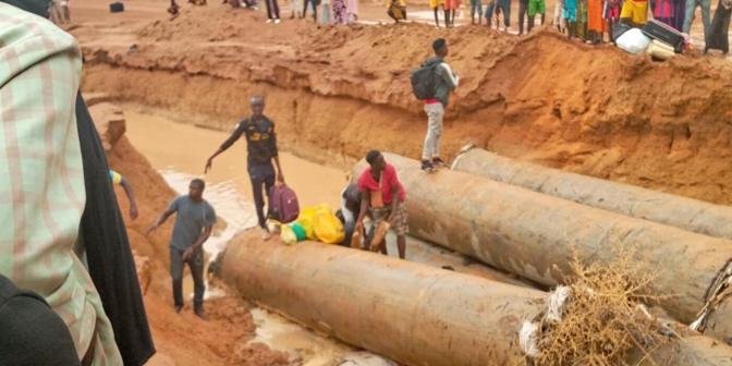 Ourossogui: La déviation du Pont de Sinthiou Garba cède, des dizaines de voitures bloqués