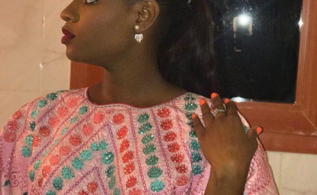 PHOTOS - Découvrez le sagnsé de l'actrice Nafi ! Sagnsé qui lui va à merveille