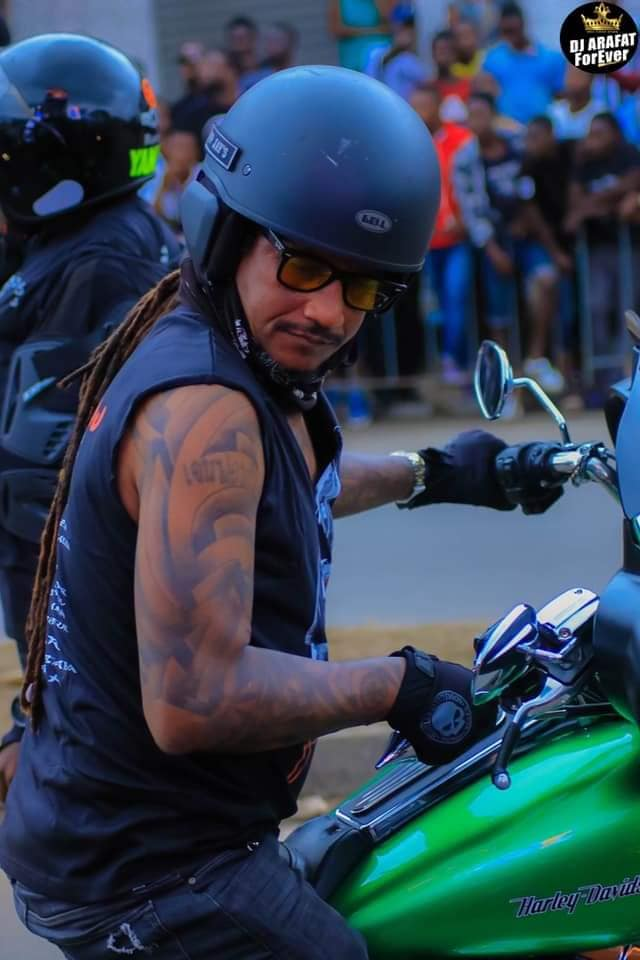 PHOTOS - Les motards de Côte d'Ivoire rendent hommage à Dj Arafat