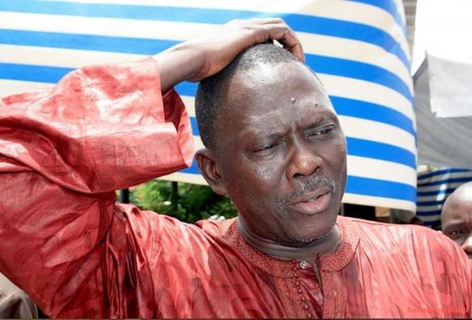 """Pikine- Attaques contre le pouvoir: Les jeunes de Macky Sall """"détruisent"""" Moustapha Diakhaté"""