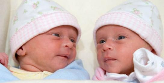 À 73 ans, elle donne naissance à des jumelles