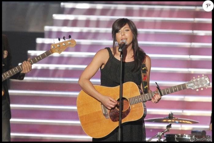 Rose: Alcool et cocaïne, la chanteuse raconte l'enfer qui l'a détruite