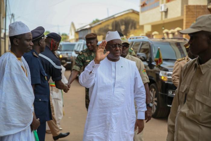 PHOTOS-Visite du Président Macky Sall chez le Khalife de Médina Gounass
