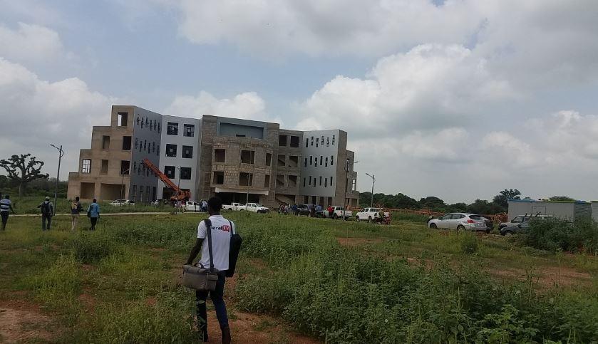 PHOTOS - Visite de chantiers de Socé Diop Dione, Directrice de l'Agence de Construction des Bâtiments et Edifices Publics à Thiès