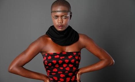 Mame Diarra le mannequin sur les pistes milanaises