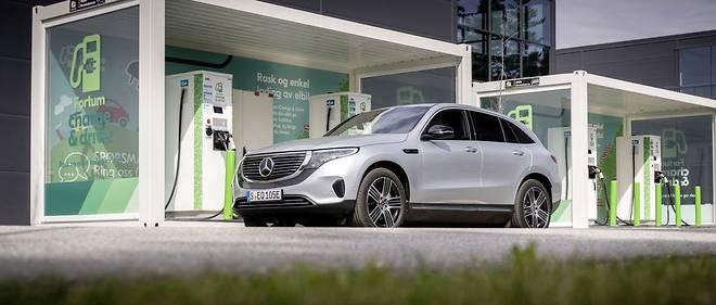Mercedes condamnée à payer 870 millions d'amende pour des moteurs truqués