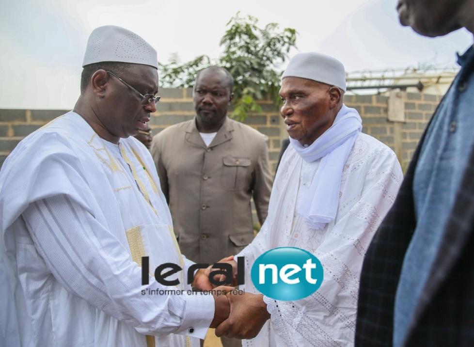 VIDEO + PHOTOS : Me Abdoulaye WADE en toute complicité avec Macky SALL