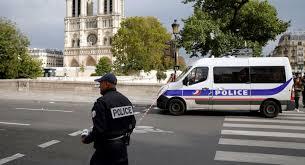 Du nouveau sur la tuerie à Paris: l'appartement de l'assaillant perquisitionné, son épouse en garde-à-vue