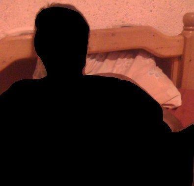 """[Confession] """"Mon ex-copain menace de diffuser mes photos et vidéos nues sur le net"""""""