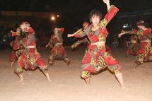 La belle chorégraphie des japonaises lors du « Tann Berr » de la paix à Yengoulene