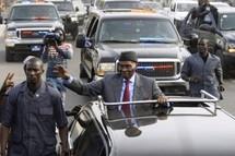 """[Vidéo ] La """"Voix de l'Amérique"""" au cœur du débat politique sénégalais"""