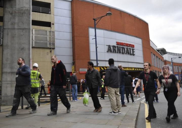 Manchester: au moins cinq personnes poignardées dans un centre commercial