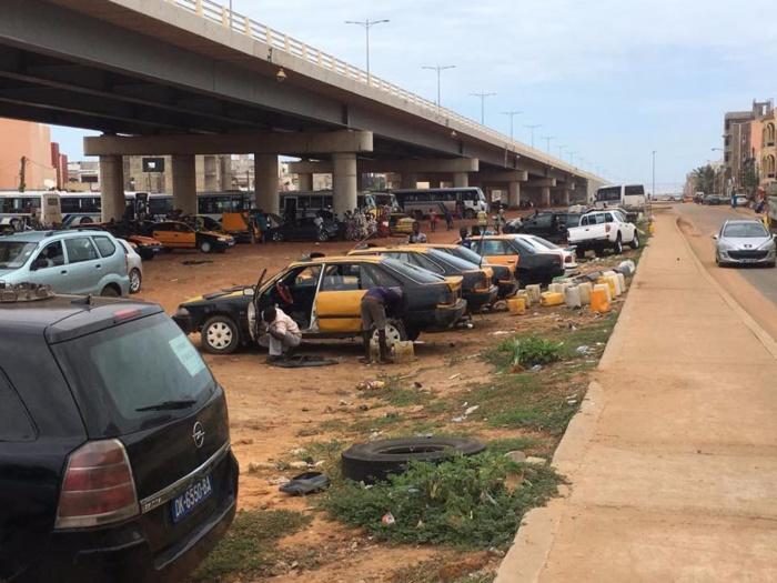 Déguerpis du parking du stade Léopold S. Senghor: Mécaniciens, laveurs de voitures...trouvent refuge sous le pont de la VDN 3