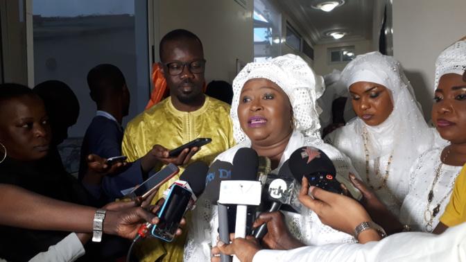 La présidente des femmes de Pastef répond à Cheikh Seck: « ces députés sont des clowns »