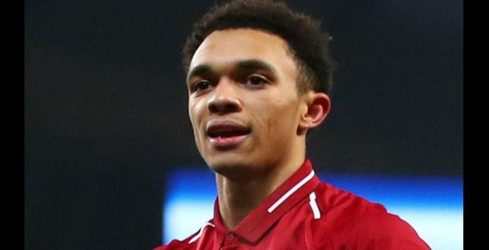 Liverpool: Alexander-Arnold victime d'injures racistes, un supporter sévèrement sanctionné