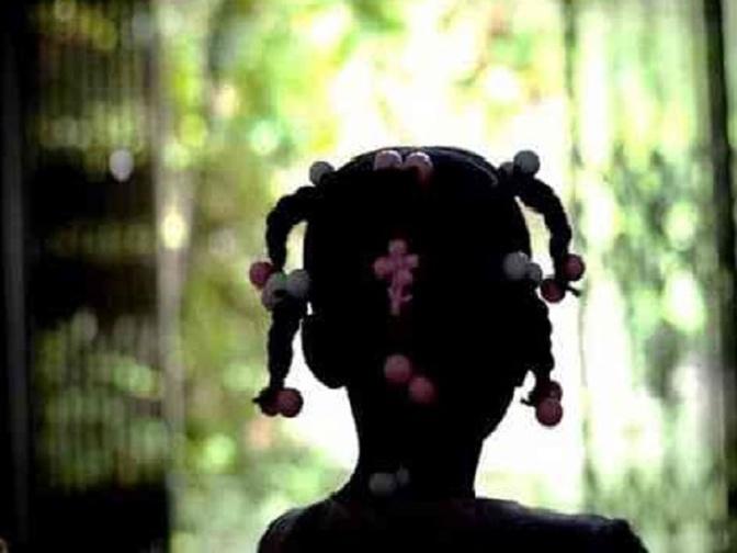 Sénégal Pédophilie -  leral.net | S'informer en temps réel   ACCUEIL POLITIQUE ACTUALITÉS SPORTS VIDÉOS TÉLÉ / RADIO PEOPLE Accueil  >  Fait divers Confidence d'une fille de 10 ans : « Tonton Souleymane se mettait sur moi… »