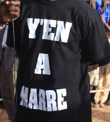 """Guédiawaye: Des nervis avec des tee-shirts """"Y'en a marre"""" investissent des centres de vote"""
