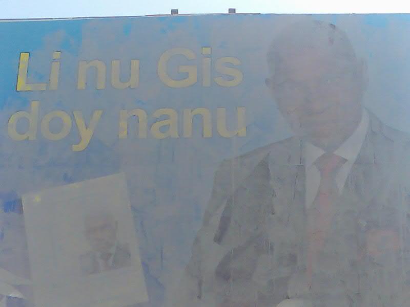 Les affiches de Wade devenues indésirables dans certaines rues!!
