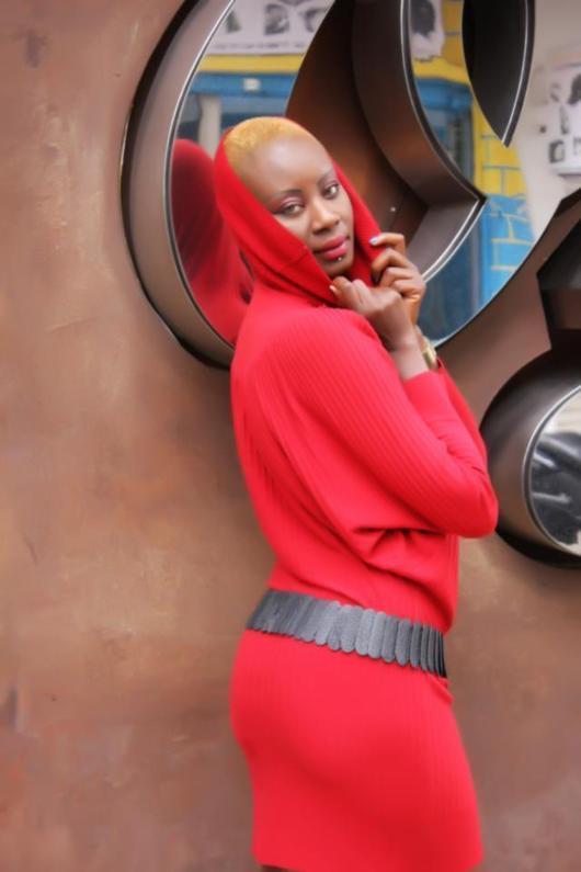 Rokia Kaba la star d'Africa 7 montre ses fesses