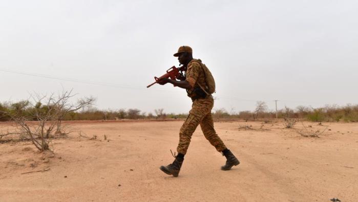 Burkina Faso: Tristesse et interrogations après l'attaque d'un convoi de civils