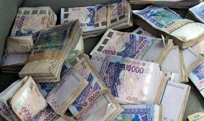 Faux billets saisis chez le député Seydina Fall: le montant estimé à 32 milliards