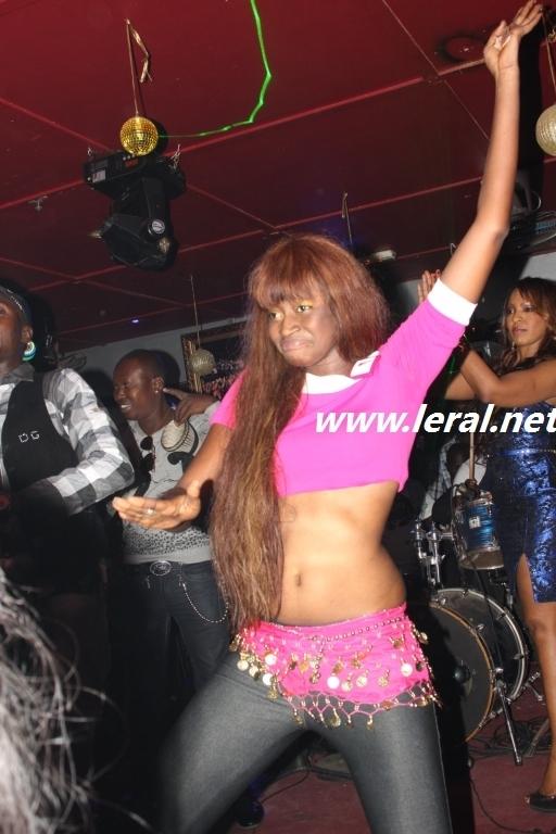 Voici Kiné, la nouvelle danseuse de Viviane
