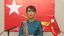 Premier discours de Aung San Suu Kyi à la télévision birmane