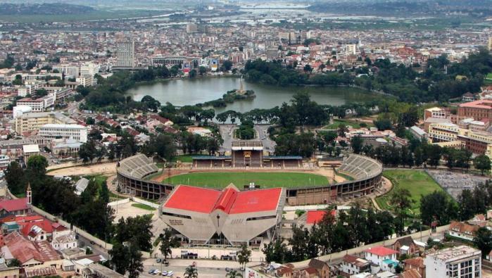 Le président de la FIFA alerte sur le mauvais état des stades malgaches