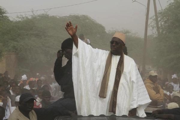 Macky Sall au mausolée de Sokhna Mame Diarra Bousso