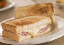 Burger, sandwich, croque-monsieur... : lequel est le plus calorique ?