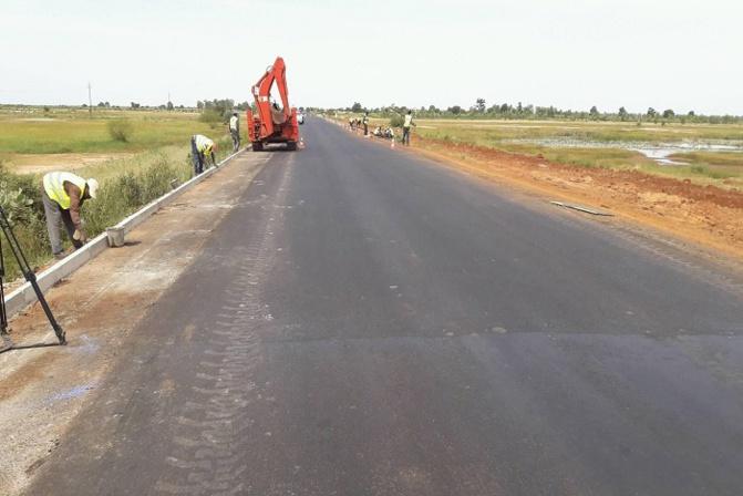 Me Oumar Youm, ministre des Transports terrestres : « Plus de 1862 km de routes revêtues depuis 2012 pour un montant de 2000 milliards de FCfa »