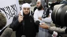 La France place en garde à vue prolongée 17 islamistes présumés