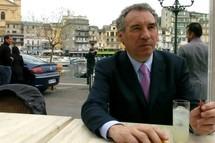 Bayrou appelle «les Français à ouvrir les yeux»