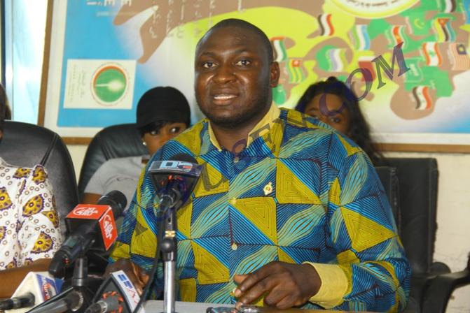 Assemblée nationale: Toussaint Manga invite le gouvernement à transformer les bourses familiales en bourses d'étudiants