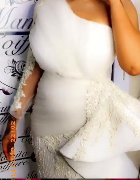 PHOTOS - Cette mariée fait sensation sur la toile avec ses belles tenues