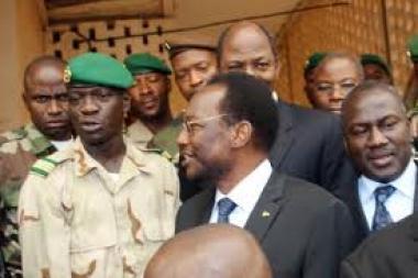 Mali: Rencontre entre Dioncounda Traoré et le capitaine Amadou Sanogo