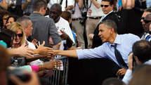 Obama publie sa feuille d'impôts et titille Romney